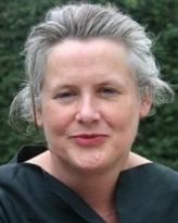 Dr Robyn  McKenzie
